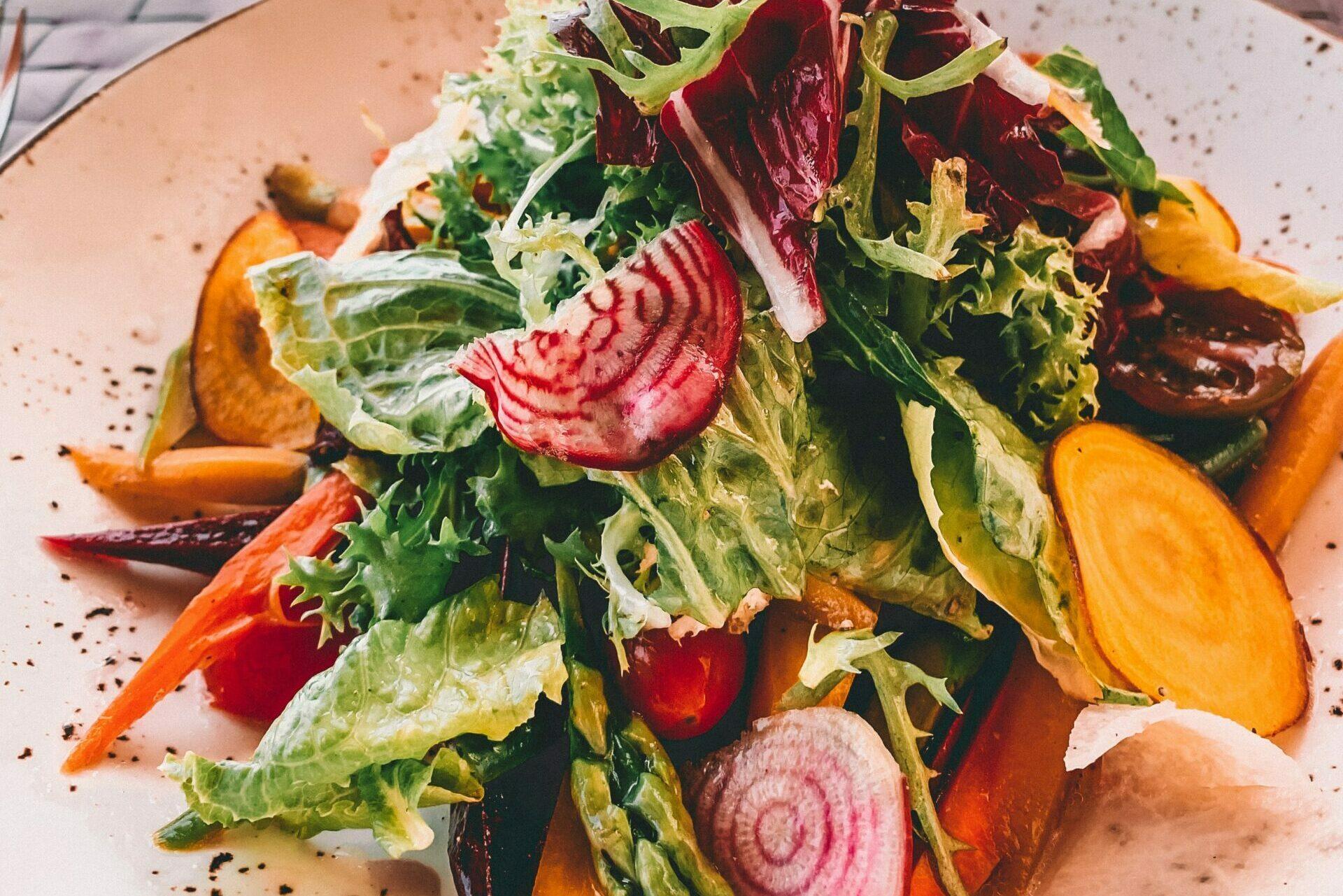 Bitter salat før middag